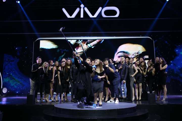 Vivo family-V7+launch.JPG